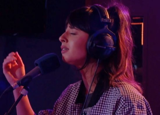 foxes-happy-radio-1-live-lounge-screenshot