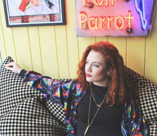 jess-glynne-checkerboard-couch