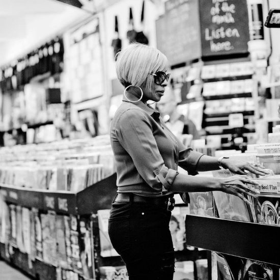 mary-j-blige-record-store-bw-the-london-sessions