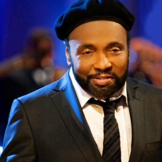 andrae-crouch-black-beret