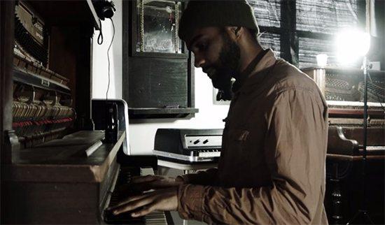 Diggs Duke At Piano In Pinnacle Video