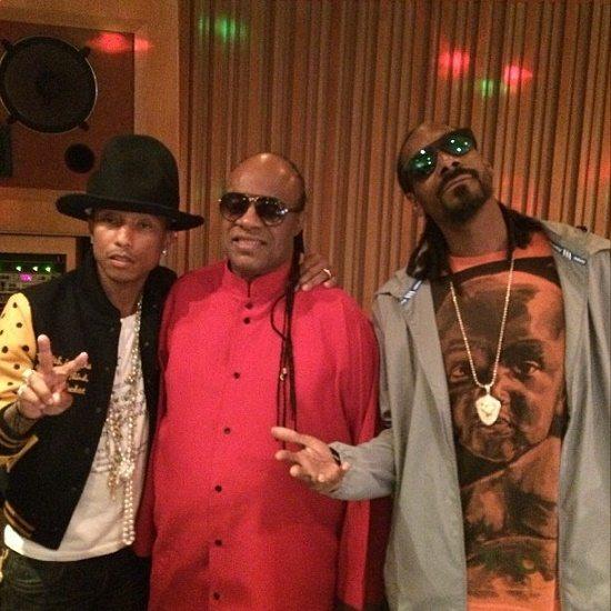 Snoop-Dogg-Stevie-Wonder-Pharrell-In-Studio