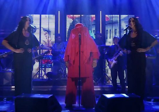 CeeLo-Green-Red-Veil-Tonight-Show