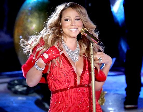 Mariah-Carey-Red-Dress-Gold-Mic