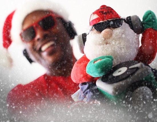 dj-jazzy-jeff-holiday-mix-album-cover-plush-santa-sunglasses-headphones-turntable