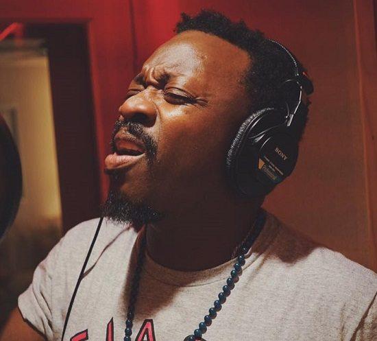 Anthony-Hamilton-Studio-Sanging