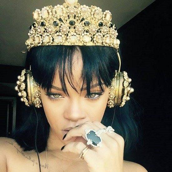Rihanna-Gold-Crown-Headphones
