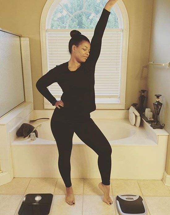 syleena-johnson-posing-with-scales