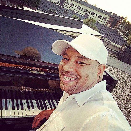 frank-mccomb-piano-selfie