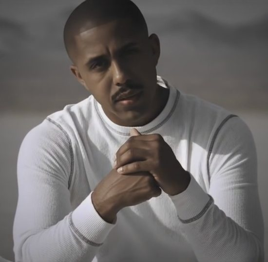marques-houston-complete-me-video