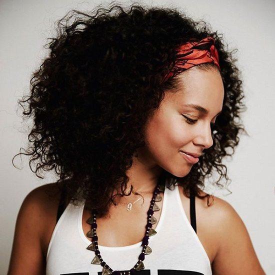 alicia-keys-curly-hair-orange-wrap