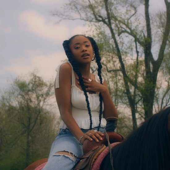 Peyton Takes Us Home In 'Let It Flow'