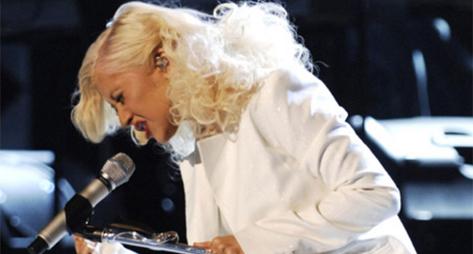 http://www.soulbounce.com/wp-content/uploads/blog_images/christina_sings.jpg