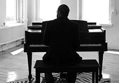 dwele_piano.jpg