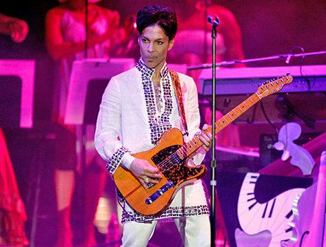 prince_performing.jpg