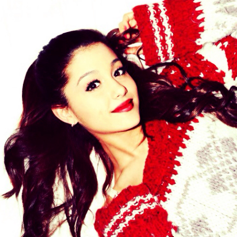 Ariana Grande Christmas.Ariana Grande Wants It To Snow In California This
